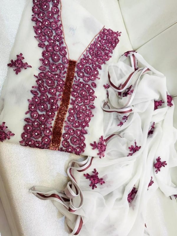 ladies suit Shalwar Qameez embroidered